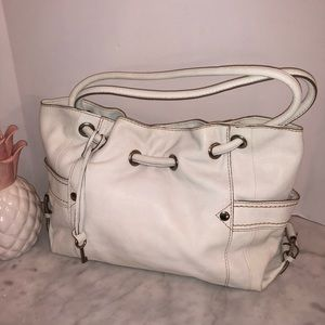 Fossil winter white shoulder bag NWOT gorgeous! 😎